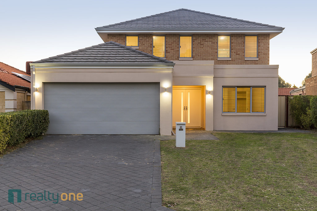12 Riversdale Pass