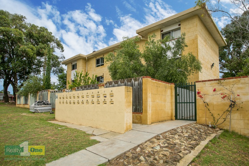 2/94 Lefroy Road