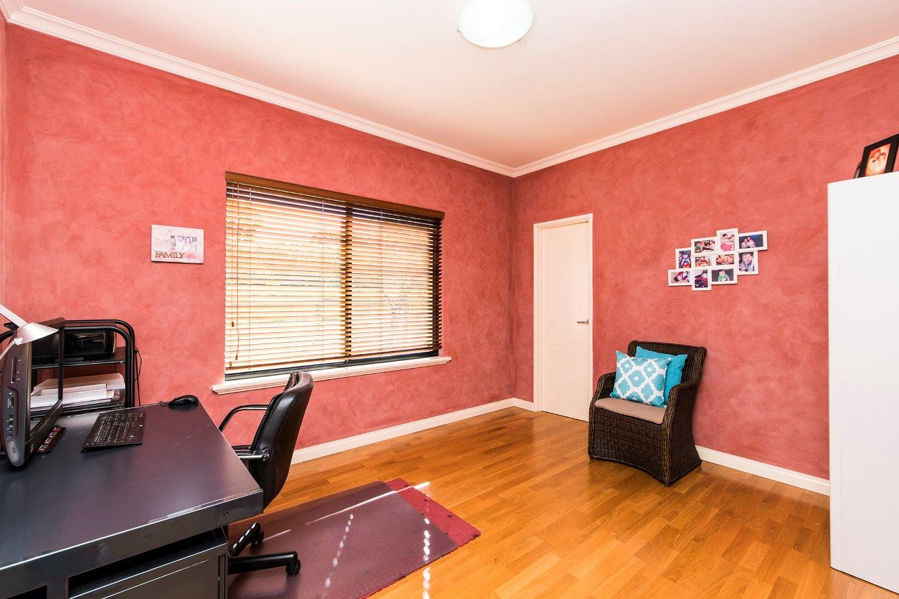 PropertyImage28