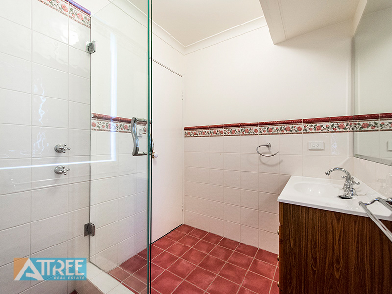 Property for sale in THORNLIE, 22 Sugarwood Drive : Attree Real Estate
