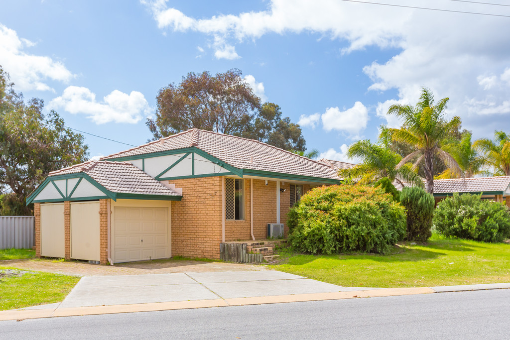 Property for sale in ARMADALE, 1/11 Stott Close, Gareth May : Attree Real Estate