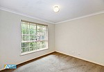 Property for sale in THORNLIE, 25/7 Lester Drive : Attree Real Estate