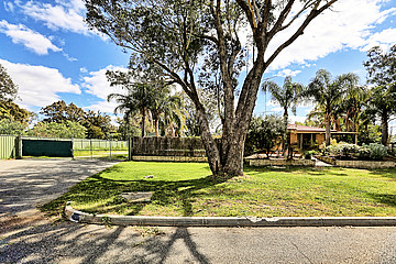 Property for sale in GOSNELLS, 8 Lockhart Place : Attree Real Estate
