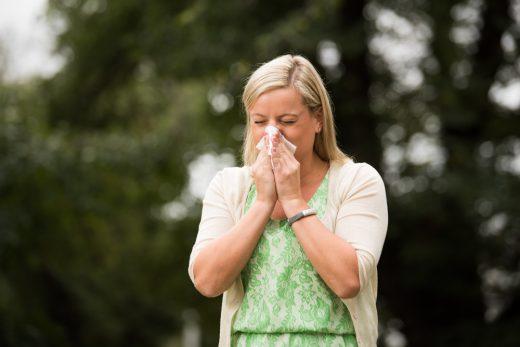 Girl Sneezing 4941 Web