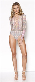 136453  Mystic One Piece