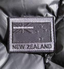 IDS8  Black NZ Badge