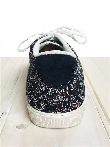 Stencil-S  Stencil Shoe