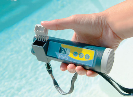 Scuba next generation electronic pool testers for Electronic swimming pool water tester
