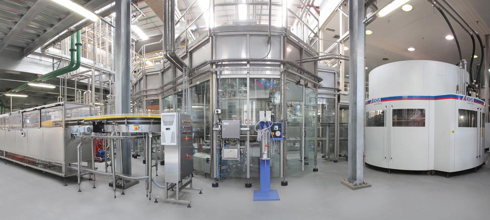 Hygienic bottling using hot fill technology