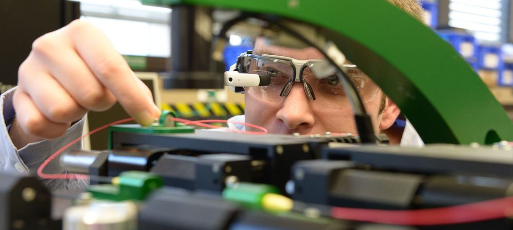 Smart glasses for Industry 4.0 tested on the shop floor
