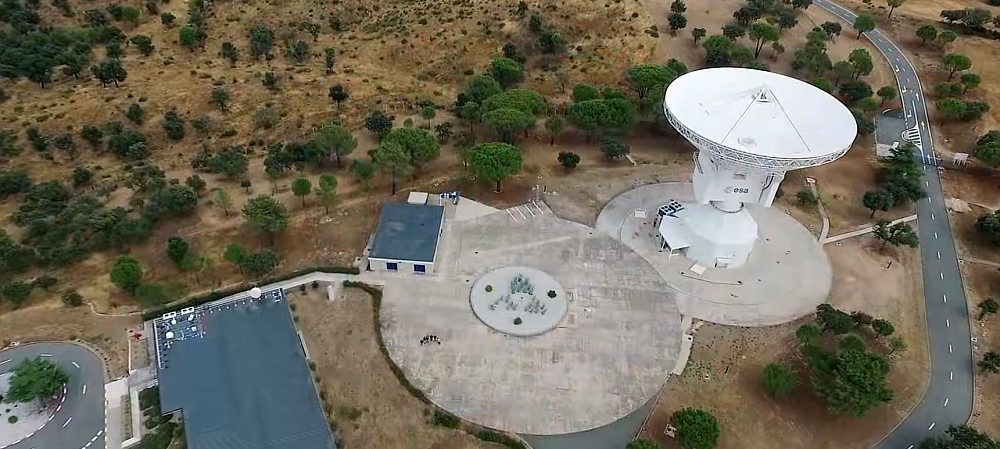 Using a drone to inspect a dish