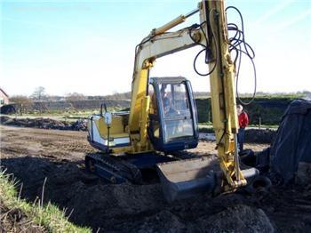National Truck Spares - Kobelco SK60 Excavator Isuzu 4JB1 Engine and