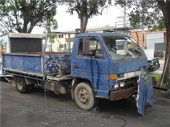 National Truck Spares - Wrecking Isuzu NPR300 NPR66 4HF1