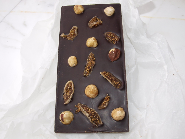 Lindsay &  Edmunds Fairtrade Dark chocolate with figs & hazelnuts 80g
