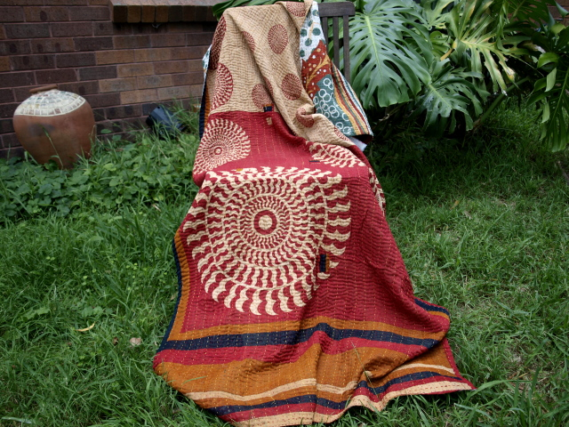 sari blanket family