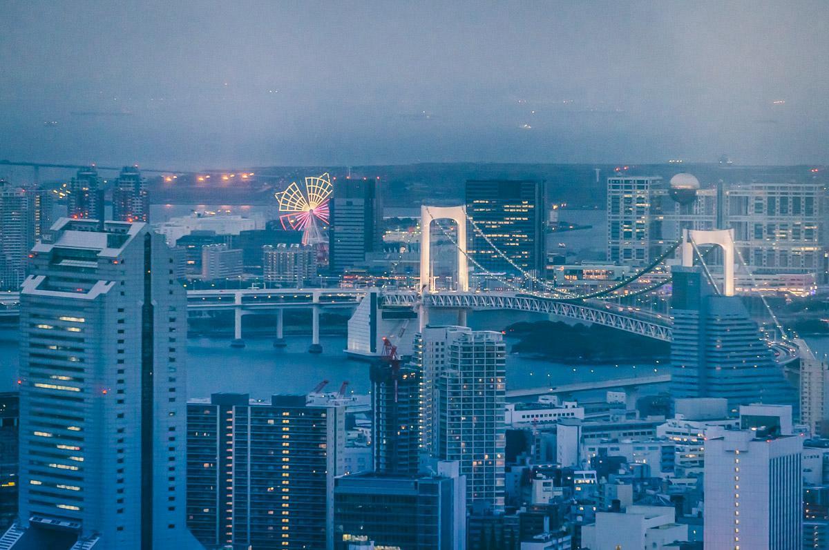 可以看到彩虹大桥, 富士电视, 台场。。。