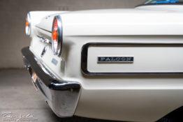 XP Ford Falcon Futura tng00723
