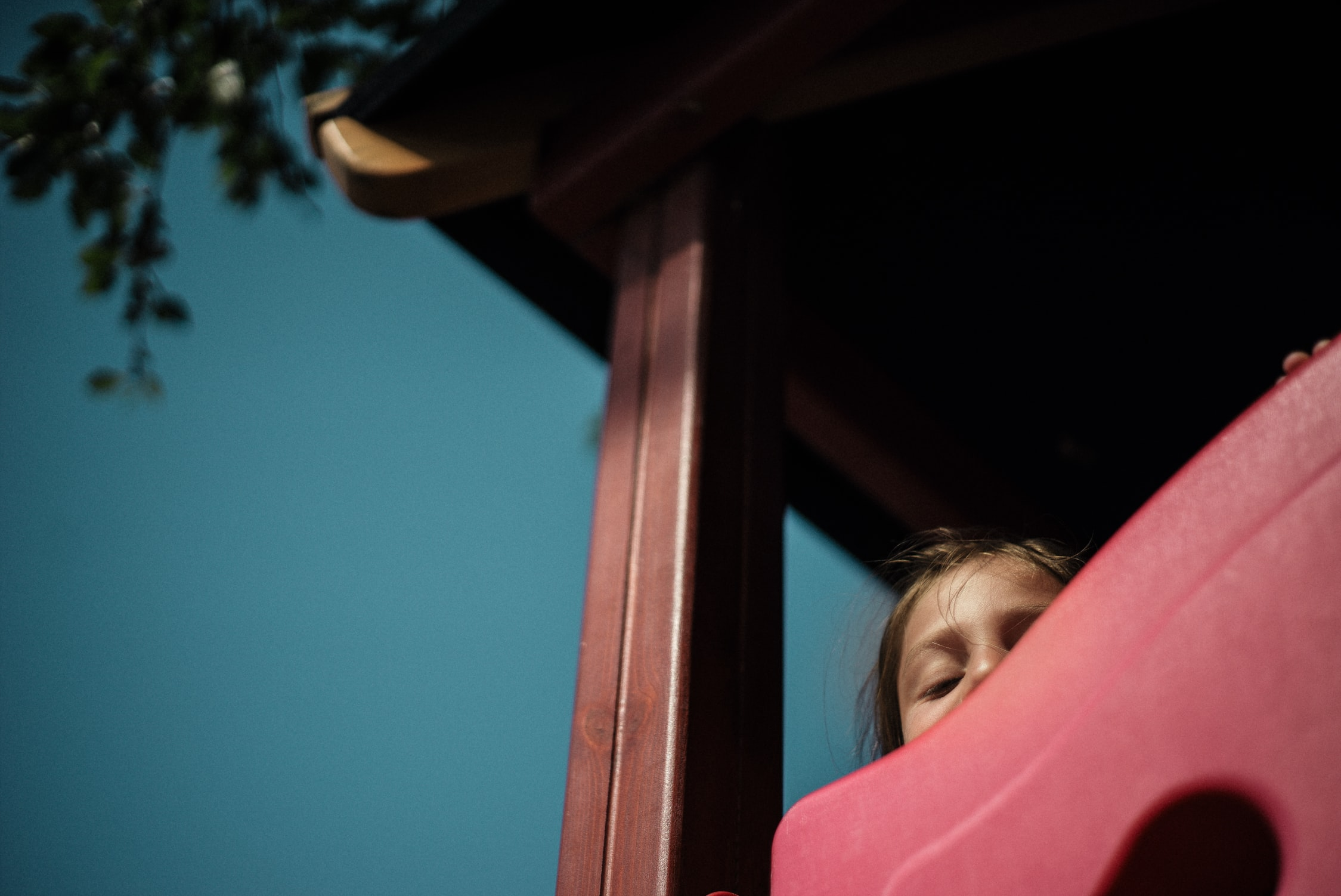 photo of a child hiding by starsailor @ unsplash.com