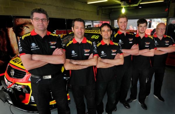 SCAR pit crew