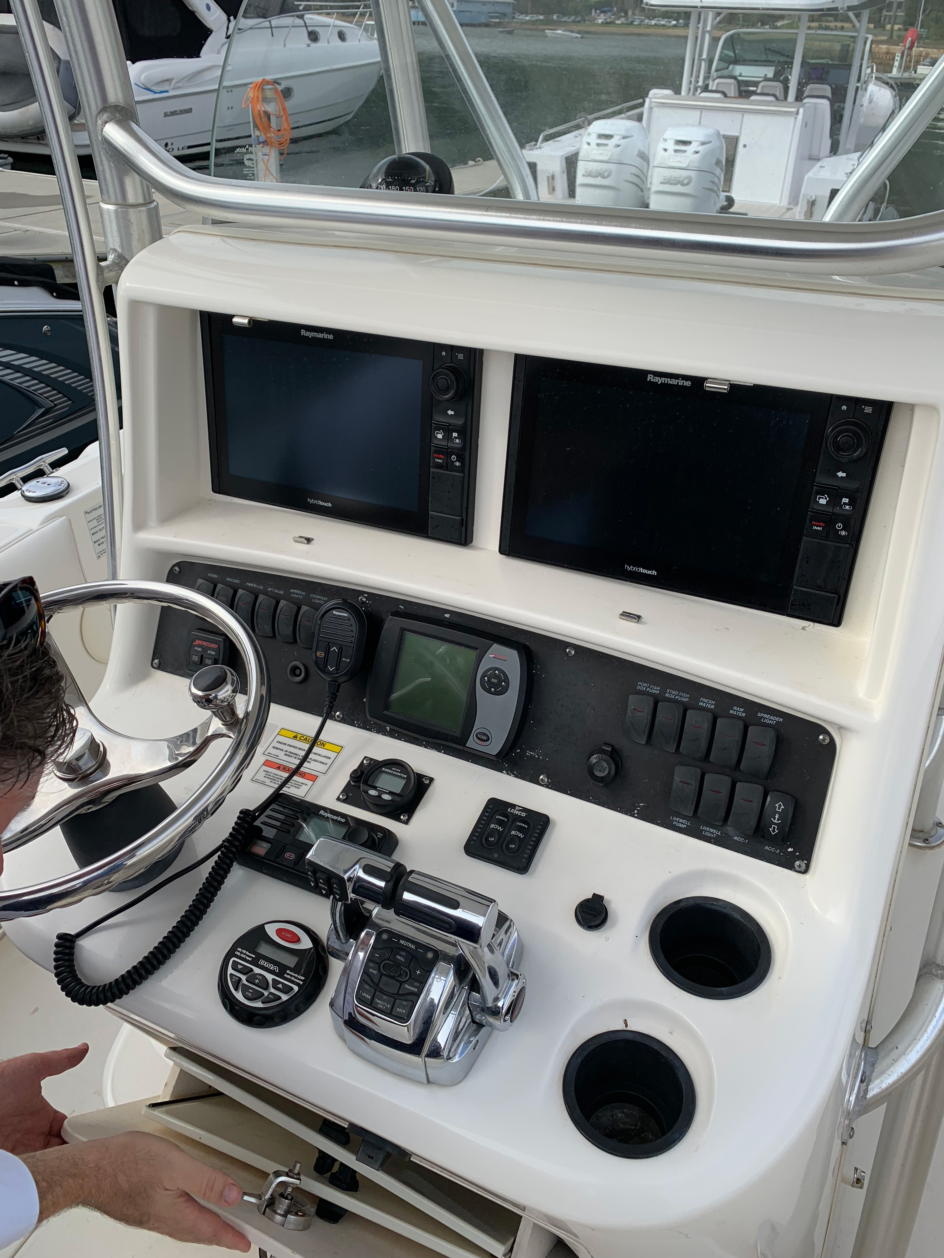 Boston Whaler outrage 240 - Vicsail - Your experts in yachting