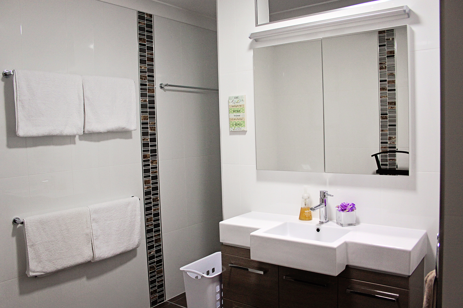 The adjoining bathroom is stunning. A lovely area to prepare for your massage and get dressed again afterwards.