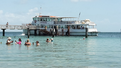 Amity Point, Stradbroke Island, Brisbane Cruises, Lady Brisbane Cruises, Moreton Bay