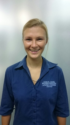 female Albany Creek Physiotherapy staff