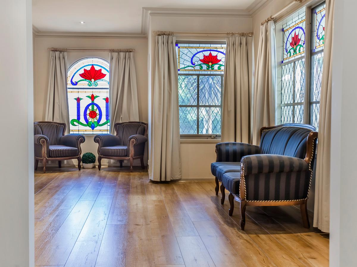 Entertainers Abode; 106 Rossiter Avenue, Roxburgh Park