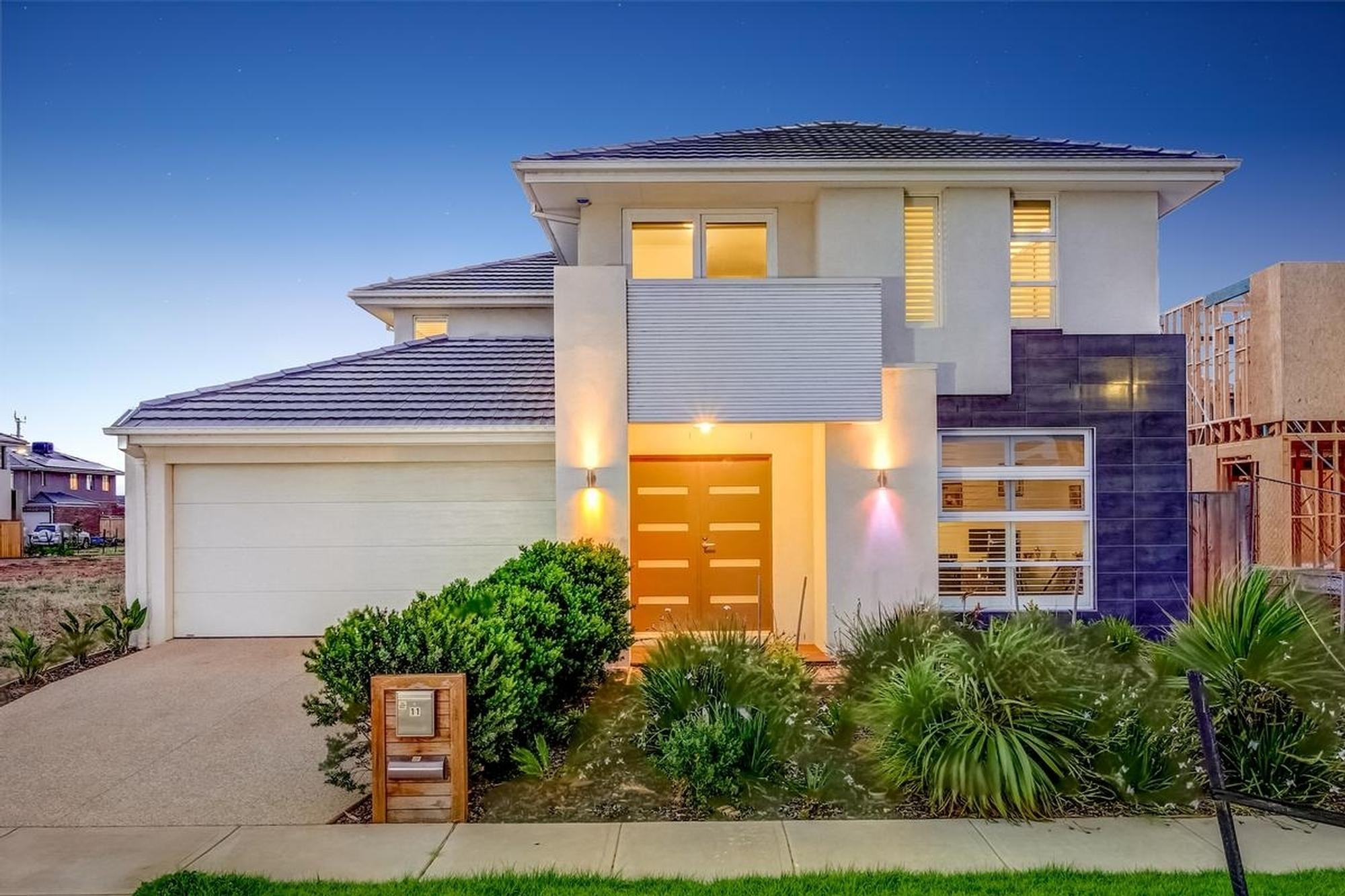 Home by the Harbour;11 Aquatic Drive, Werribee South