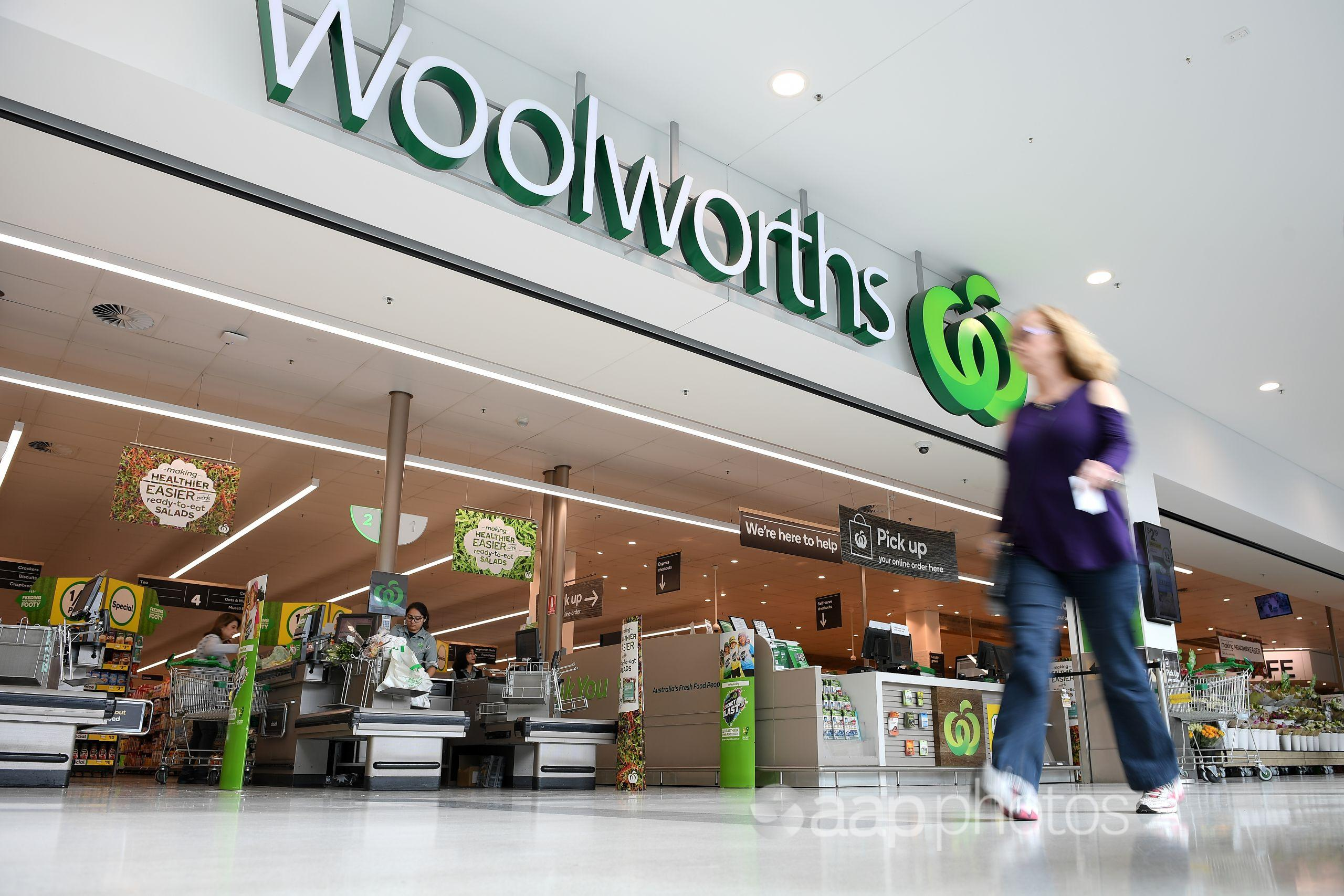 A Woolworths store at Double Bay in Sydney (AAP Image/Dan Himbrechts)