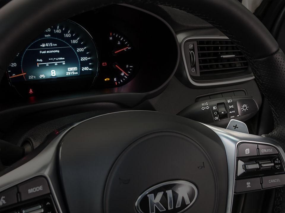kia-new-sorento-interior-paddle-shift.jpg