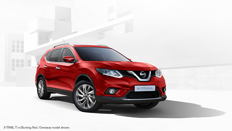 Nissan X-TRAIL in Burning Red