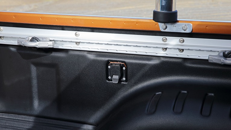 12V outlet shown in the ST-X Dual Cab