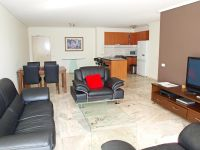 Capri 9th floor FULLY FURNISHED, 38 Bank St: Don't Miss Out! L/B