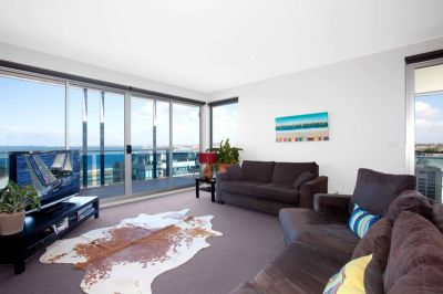 50 Dow St: Highly Sought After Block With Stunning Sea Views!