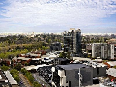 Southpoint 23rd floor FULLY FURNISHED, 22 Kavanagh St: In A Perfect Location!