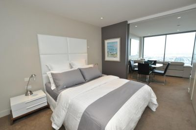 Freshwater Place, FURNISHED: Luxury Southbank Living!