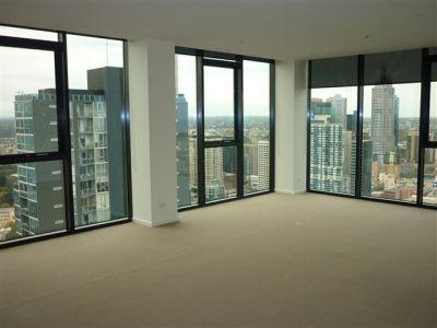 Zen Harmony 44th floor, 27 Therry St: Luxurious City Living!