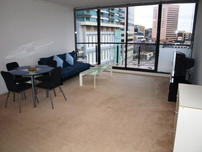 Parkside FULLY FURNISHED 9th floor, 28 Bank St: Contemporary Living!