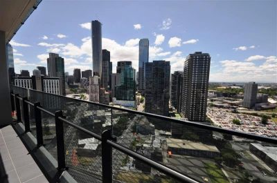 MAINPOINT, 23rd floor - Inspect This Stunning Property!