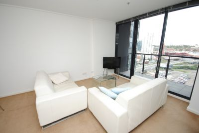 Melbourne Tower, 13th floor - FULLY FURNISHED: Stylish And Practical!