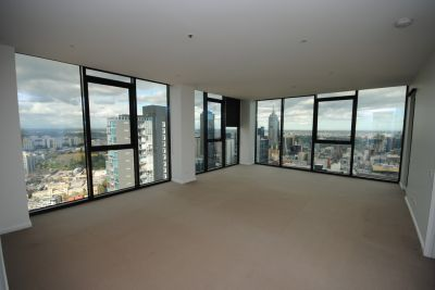 Zen Harmony, 44th floor - Luxurious City Living!