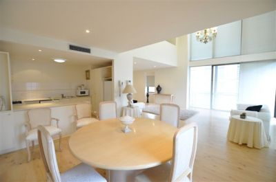 1 Riverside Quay - FULLY FURNISHED: Stunning Split Level Penthouse!