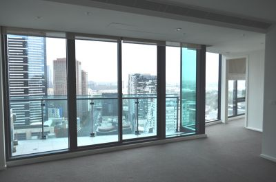 SouthbankONE 28th floor, 180 City Rd: Indulge In Southbank Living!