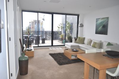City Tower 35th floor FULLY FURNISHED, 183 City Rd: Penthouse With Amazing Views!