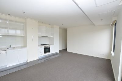UNFURNISHED - Rent TODAY to receive 1 week rent FREE!