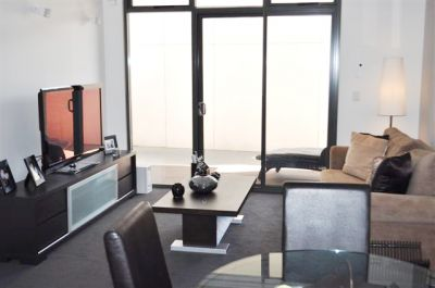 120 Studio Lane - FULLY FURNISHED: Chic Apartment In A Fantastic Location!