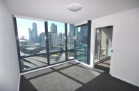 MAINPOINT 17th floor, 241 City Road: Superb Location!