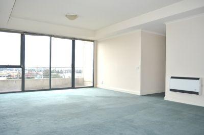 City Gate 15th floor, 33 Latrobe St: Luxury Living In The City!