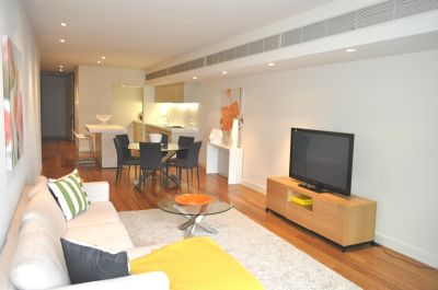 Triptych FULLY FURNISHED 21st floor, 8 Kavanagh St: Highly Sought-After Luxury Apartment!